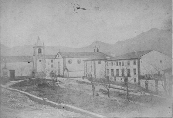 Igreja do Espírito Santo e Casas Amarelas